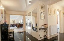 Flat for sale in Fenchurch House...