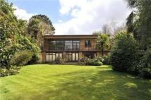 Detached house in Spaniards End, Hampstead...