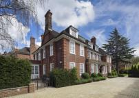 7 bedroom Detached house in Templewood Avenue...