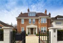 8 bed Detached property in Stormont Road, Highgate...