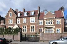 3 bed new Flat in Netherhall Gardens...