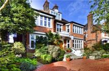 6 bedroom Detached property in Redington Road...