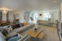 4 bed property for sale in Willoughby Road...