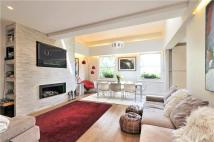 3 bedroom Flat in Haverstock Hill...