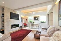 3 bedroom Flat in Haverstock Hill...