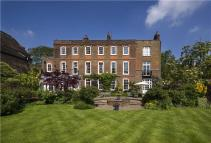 6 bed Character Property in Cannon Place, Hampstead...