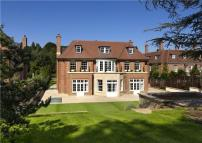 9 bedroom new home in Winnington Road...