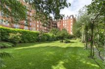 Flat for sale in Oakwood Court, London...