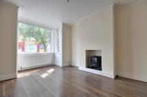 3 bed Terraced house in Princes Avenue, Watford...