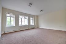 Flat to rent in Odeon Parade...