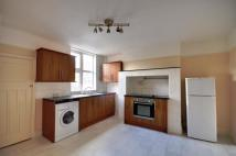 Flat to rent in High Street...