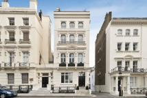 5 bed Terraced property in Ennismore Gardens...
