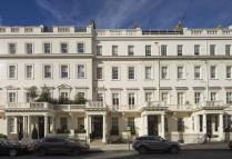 3 bedroom Flat in Eaton Place, London...