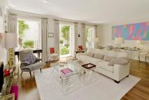 Maisonette for sale in Eaton Square, London...