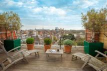 2 bed Penthouse in Cheyne Place, London...