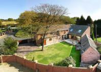 4 bedroom Barn Conversion in Lydiate Ash, Bromsgrove