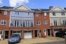 Town House for sale in Flowers Avenue, Ruislip