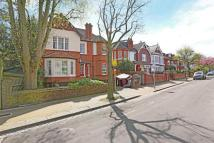 6 bedroom Detached house in Woodthorpe Road, London...