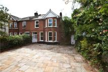 5 bedroom semi detached house in The Avenue...