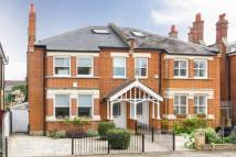 5 bed semi detached home in Lauriston Road...