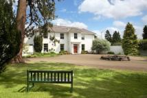 6 bed Detached property in Wood Lane, Iver...