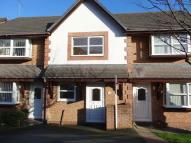 2 bed property to rent in Hewitt Close