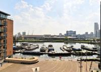 2 bed Flat in Boardwalk Place, London...