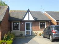 2 bed Bungalow in Brake Mead, Chippenham...