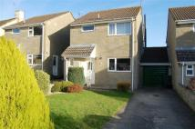 3 bed house in Manor Close, Sherston...
