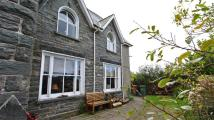 3 bed semi detached property for sale in Ty'r Ysgol...