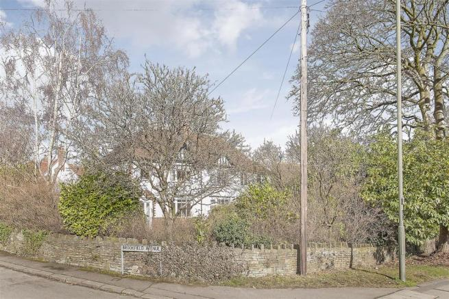 1 Brookfield Avenue-3.jpg