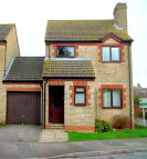 Cotswold Close Link Detached House to rent