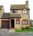 3 bedroom Link Detached House to rent in COTSWOLD CLOSE...