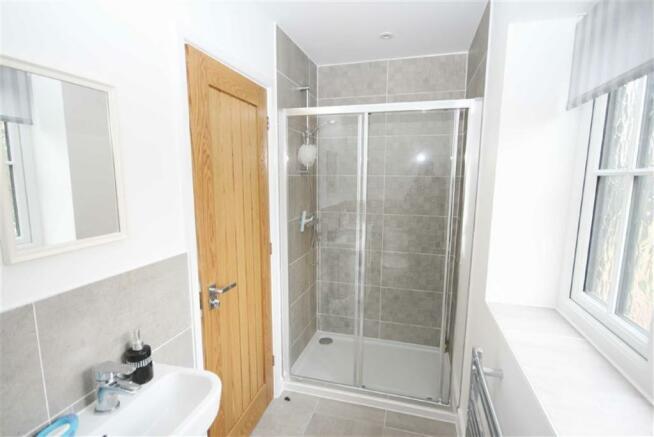 En-suite Shower Room /WC