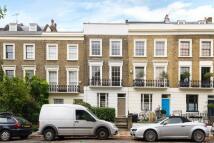 2 bed Maisonette in Albert Street, London...