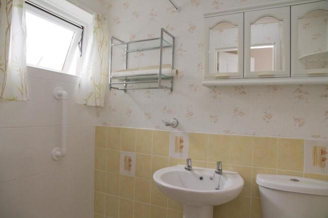 Wetroom/Cloakroom