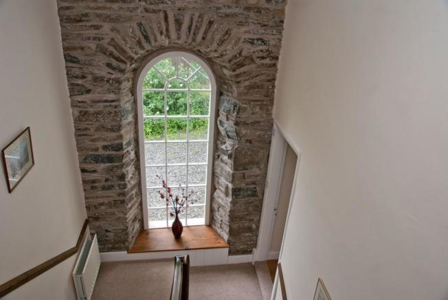 Feature Arched Wi...