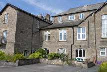 2 bedroom Ground Flat for sale in Flat 6 Glebe Court...