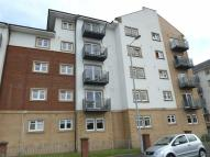 Flat for sale in Redwood Court...