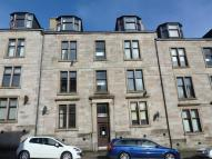 Flat to rent in South Street, Greenock...