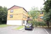 1 bedroom Flat to rent in Frankswood Avenue...