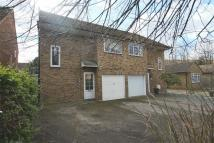 4 bedroom semi detached home for sale in The Avenue, Cowley...