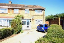 4 bed End of Terrace house in Barnhill Road, Hayes...