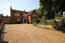 3 bedroom Detached property in Parkway, Hillingdon...