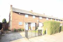 3 bed End of Terrace property in Thornton Avenue...