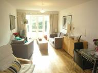 2 bed Flat to rent in Park Lodge Avenue...
