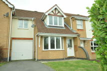 3 bedroom semi detached house to rent in Owen Close...