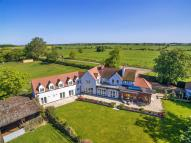 6 bed Detached house for sale in Thorpe in the Glebe...