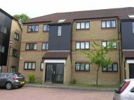 Flat to rent in Mulberry Close, Luton
