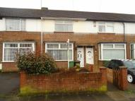 Terraced house to rent in Applecroft Road, Luton